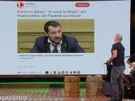 """Salvini: """"Io come la Segre"""", poi mostra timbro del Papeete sul braccio E Andrea Bonechi VINCE la TOP TEN di PROPAGANDA LIVE"""